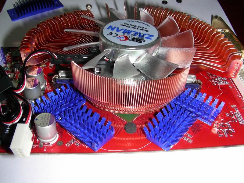 Memory heat sinks installed